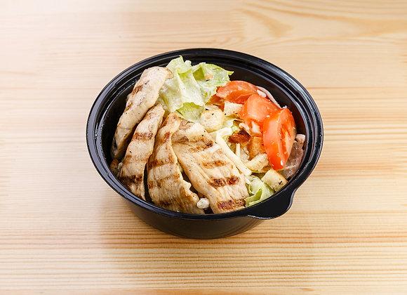 Салат «Цезарь»  с мясом цыпленка