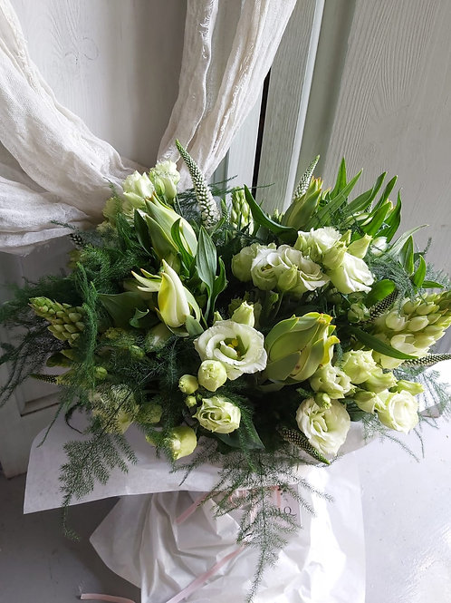 BESPOKE BOUQUET WHITE & GREENS