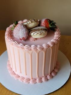 Strawberry & Cream Cake!