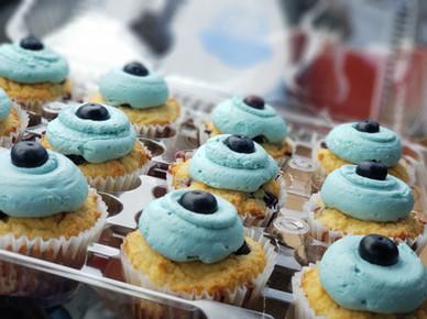 Keto Lemon Berry Cupcakes!