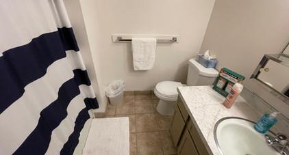 Upstairs bathroom (1/2)
