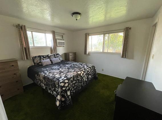 Upstairs bedroom (1/3)