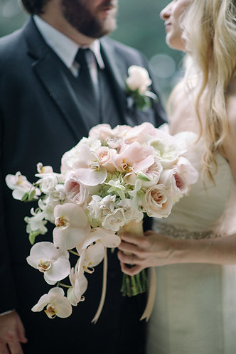 Medium Rose Bouquet with Special Design Bouquet m01
