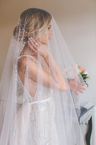 Hand-Crafted 118 Inches Wedding Gorgeous Crystal and Beads Veil
