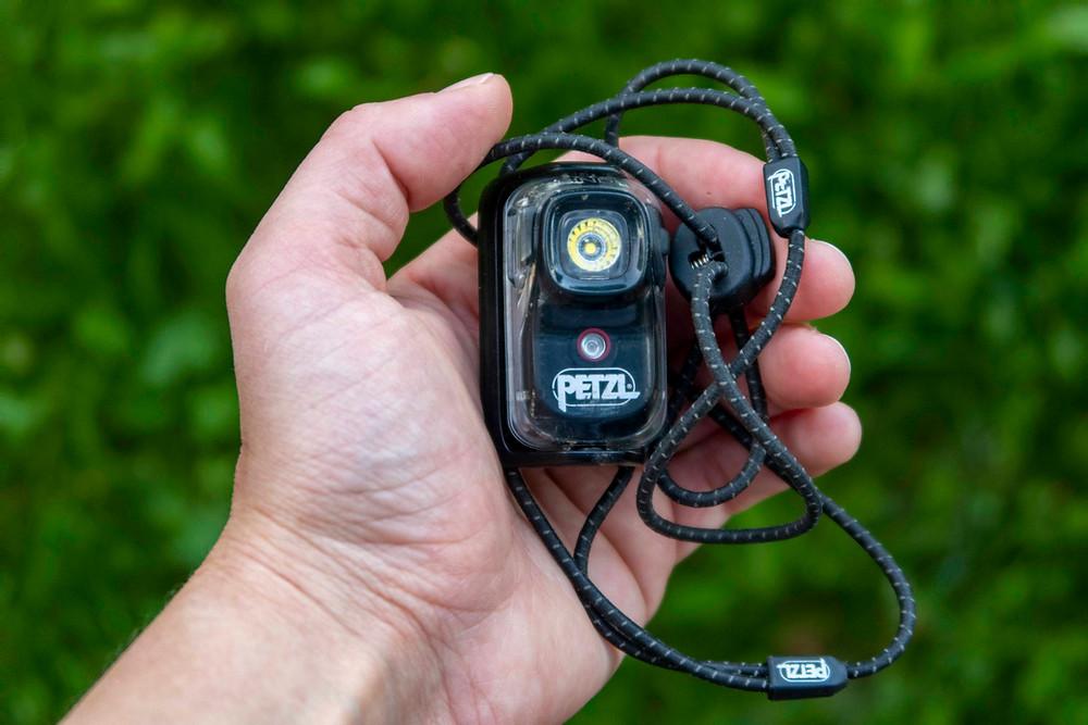 Skladná miničelovka Petzl BINDI až 200 lumen s nabíjením přes USB.