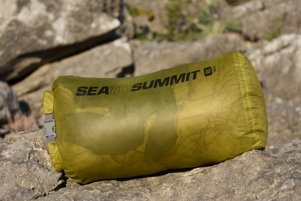 Nepromokavé vaky různých velikostí na elektroniku, oblečení nebo jídlo Sea to Summit Ultra-Sil Nano Dry Sack.