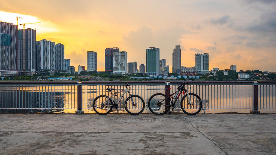 Sunset at Woodlands Waterfront Park