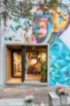 Fachada de loja com grafitte