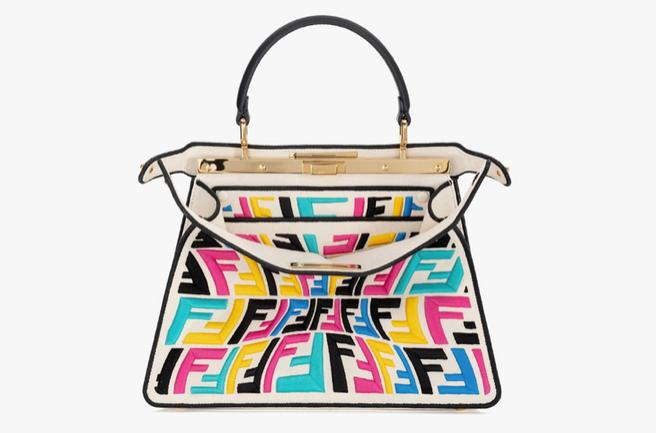 Новая эра: бренд Fendi представил сумку, которая светится в темноте