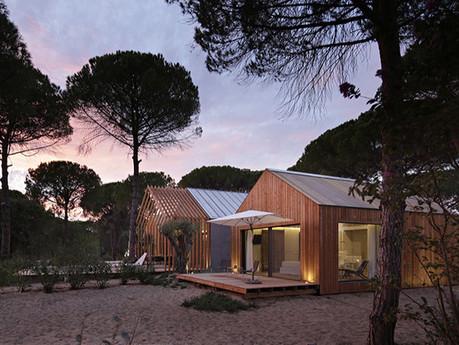 Песчаные дюны Португалии стали местом для строительства эко-отеля