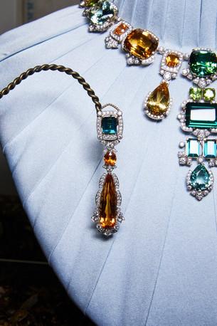 Dolce & Gabbana выпустили новую коллекцию ювелирного искусства: ручная работа и редкие камни