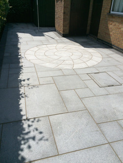 Patio Grey Paving and Circle