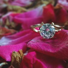ring-2363688_1920.jpg