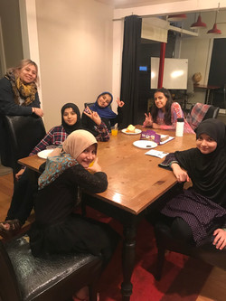 English lessons for immigrant girls