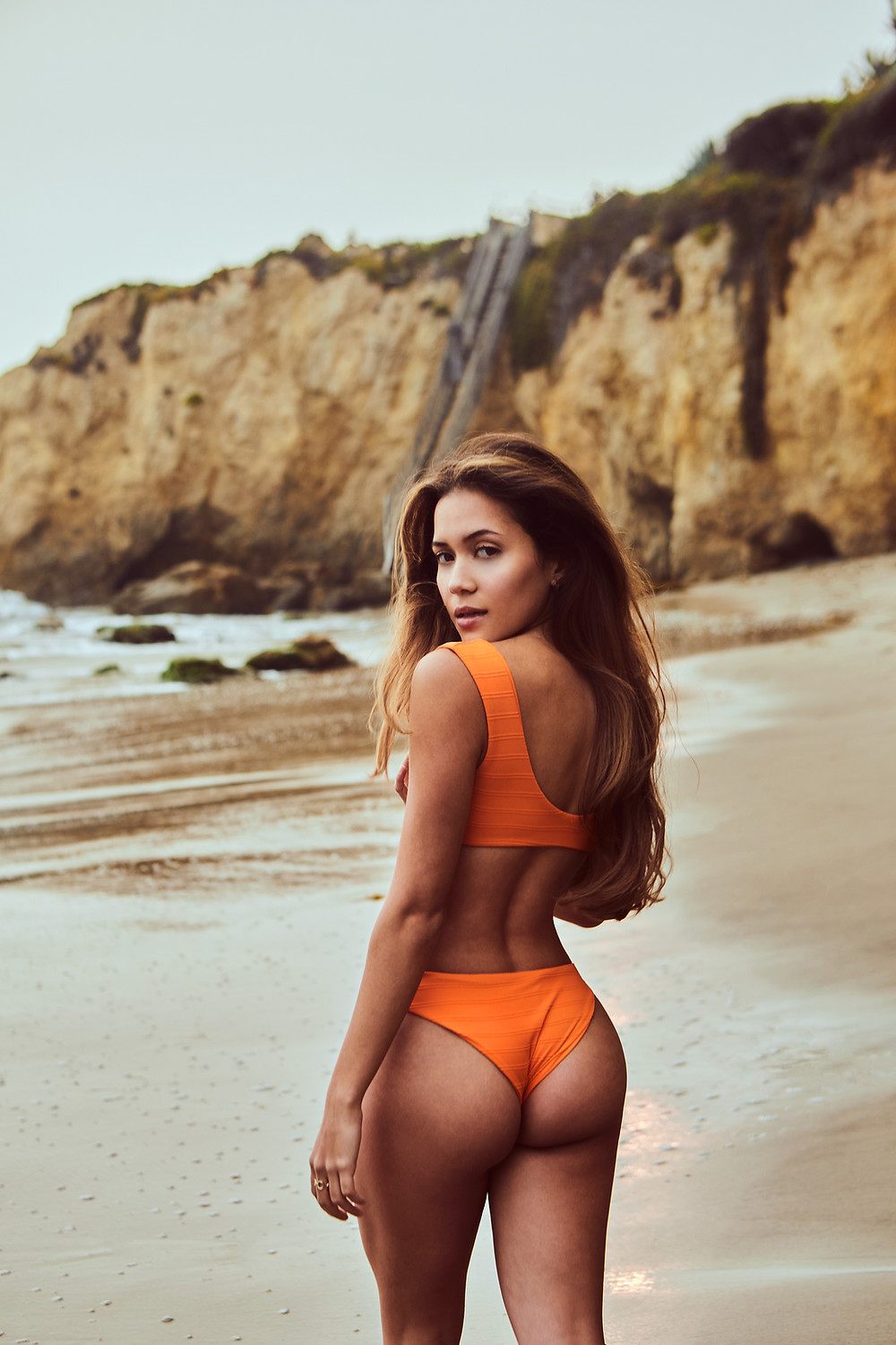Hot swimwear model valentina posada sexy ass and legs, big butt in a tiny bikini,with a small waist, pretty face with a big bank