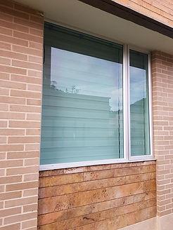 ventaneria-puertas-antirruido-en-vidrio