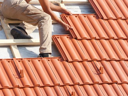 Un couvreur dans les Yvelines, tombe d'un toit