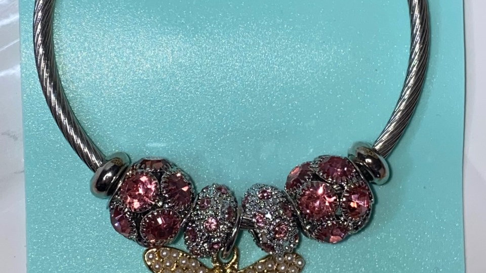 P*andora style Pink bee bracelet