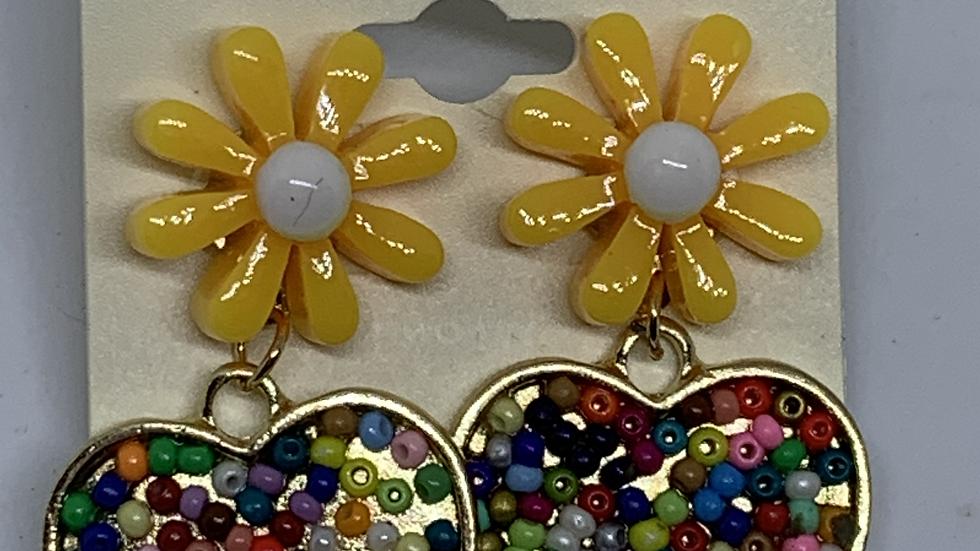 Yellow Daisy- Beaded heart posts