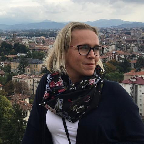 Annie Jasinkiewicz: Customer Relations