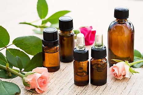 aceites esenciales en frascos ambar de 10 ml, 15 ml y 30 ml.