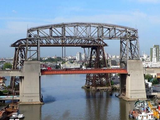 Los puentes transbordadores, gigantes de metal que unen dos orillas, por Argüello y Andreani