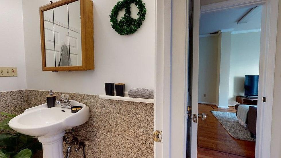 bathroom-f41361251xd-w1020_h770_q80.jpg