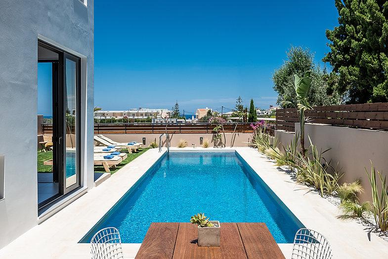fos villa pool