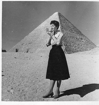 s-l200pyramisEgypt.jpg