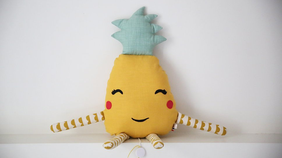 Coussin Ananas - pattes personnalisables