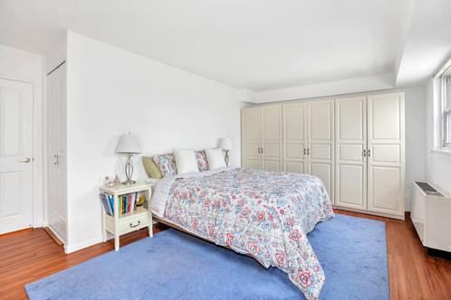 400 East 77th Street Apartment 17B