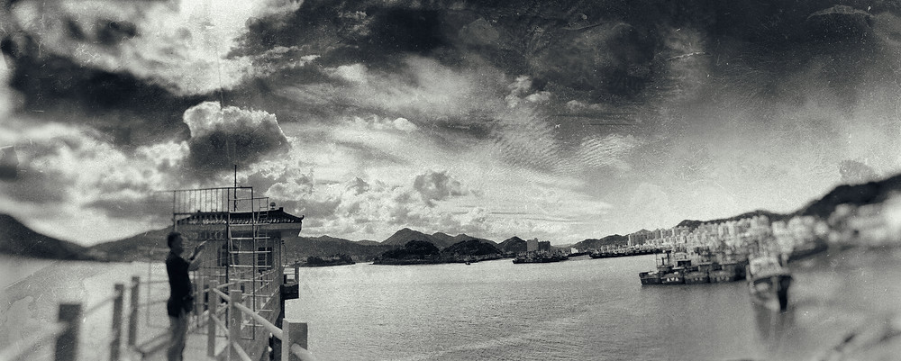 harbor. 漁港。chen yun. 陳云