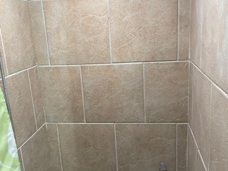 シャワールームの手すり設置