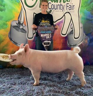 Whitley Gross, Grand Champion Yorkshire Gilt, Miami County Fair