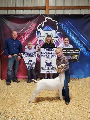 FOC_Avery Darrow_ 3rd overall market goat_ State line livestock show.jpg