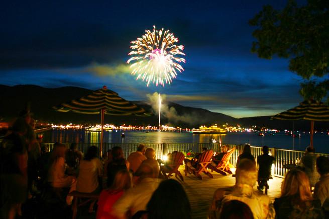halls fireworks2-1.jpg