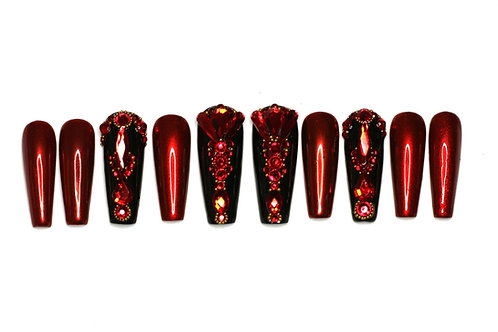 """Custom nail set """"The Red Queen"""""""