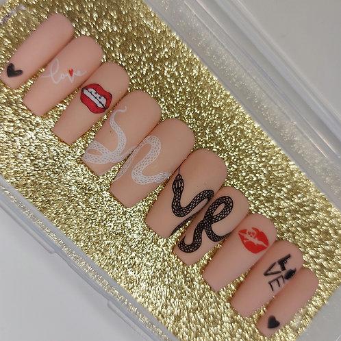 """Custom nail set in """"Love Bite"""""""