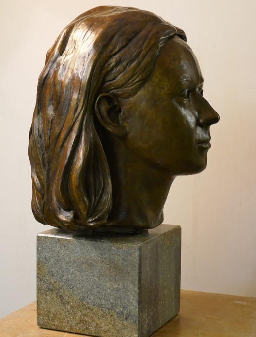 Hon Francesca Carington