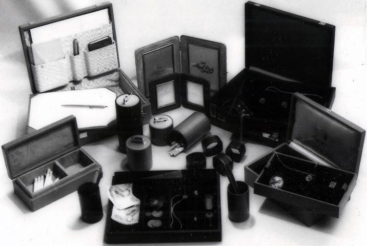 Original Jewel Display Leather Goods