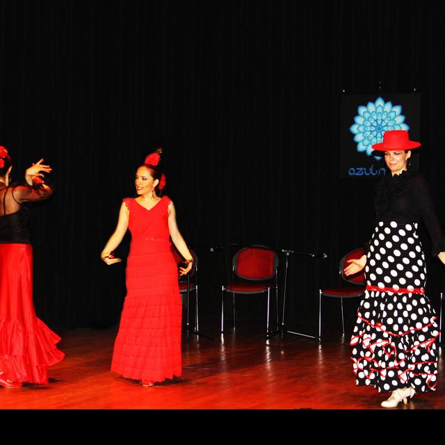 Melis Cangüler Azulmavi Akademi 2017 Sene Sonu Gösterisi