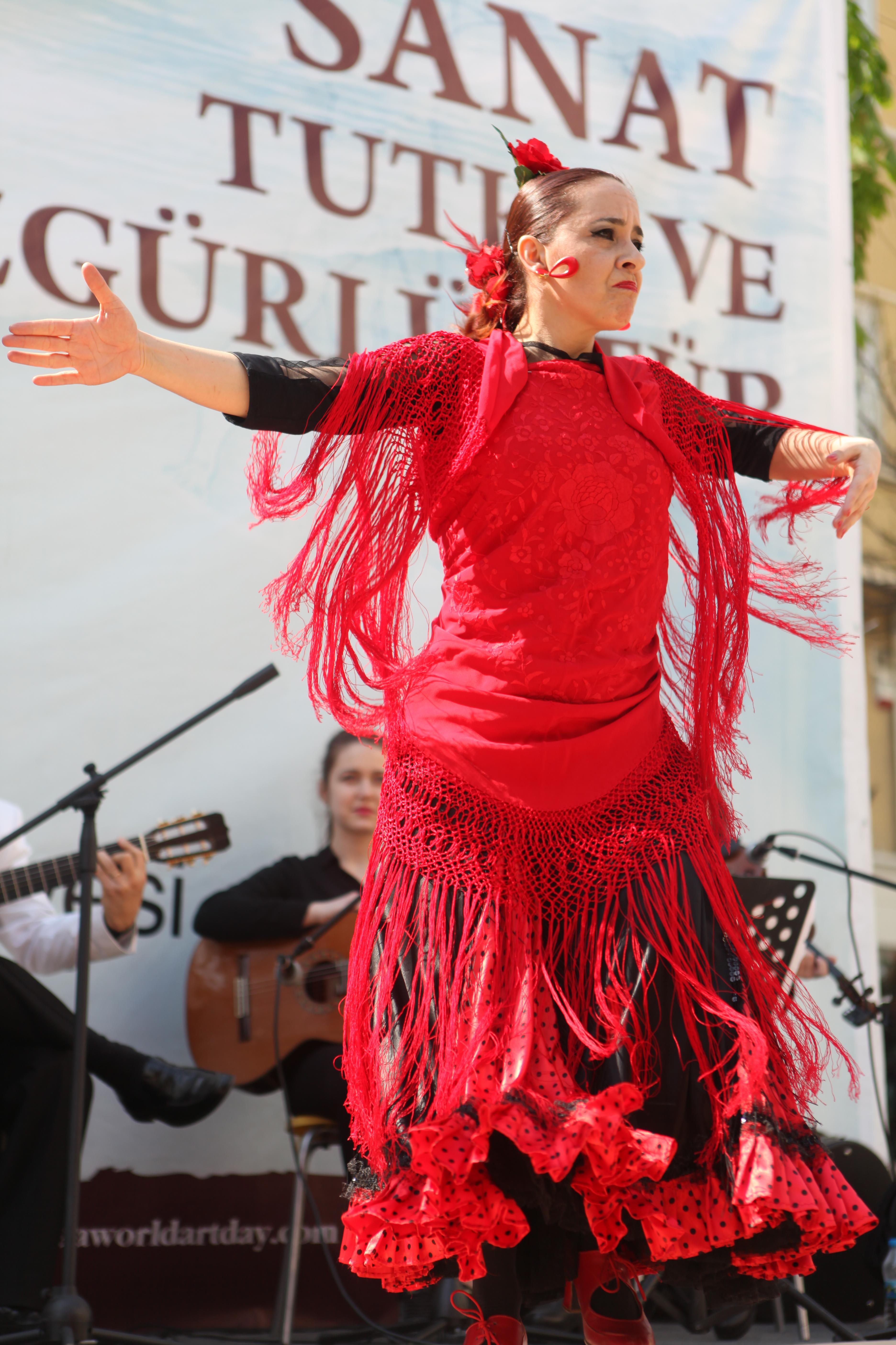 Melis Cangüler Flamenko