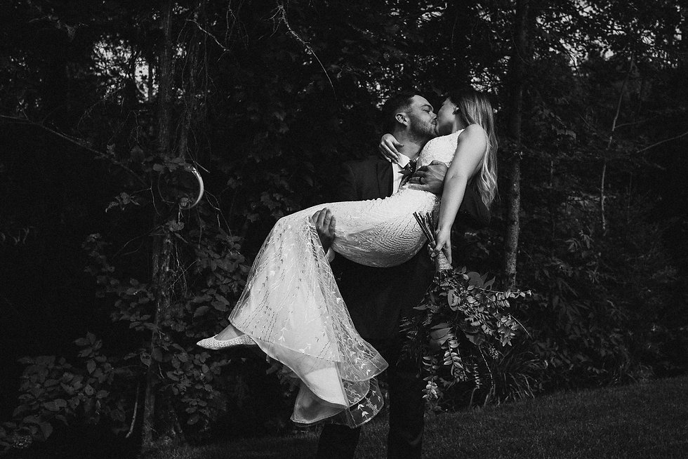 Muskoka wedding black and white-1.jpg