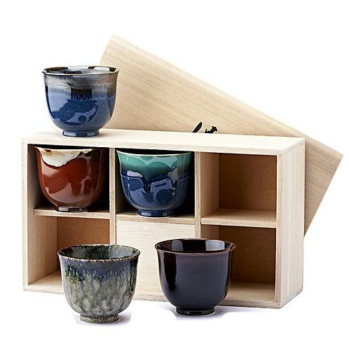 Set van 5 'Kiku' theekoppen in houten kist - 1stuk
