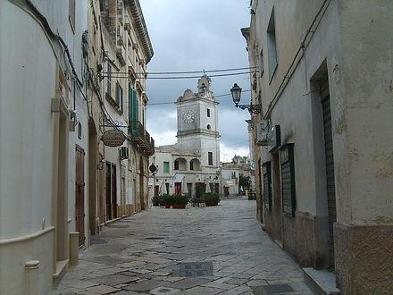 1200px-Centro_storico_Francavilla_1.jpg