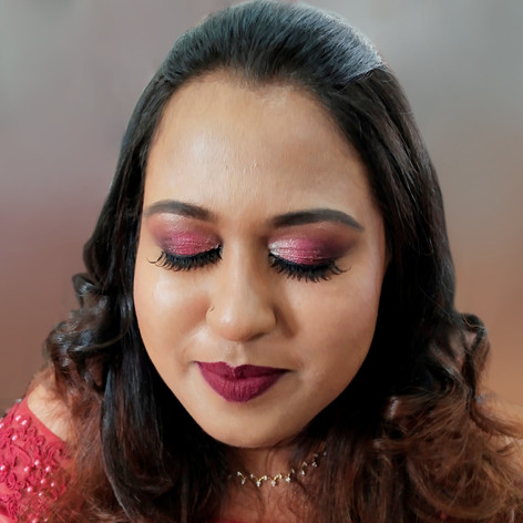 FIND YOUR PARTY MAKEUP LOOK