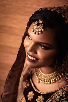 Face Palette Muslim Bride