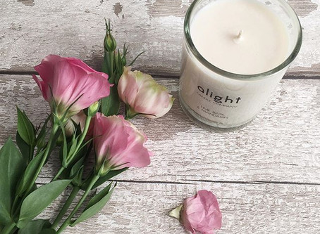 WHAT MAKES THE PERFECT SCENTED CANDLE?