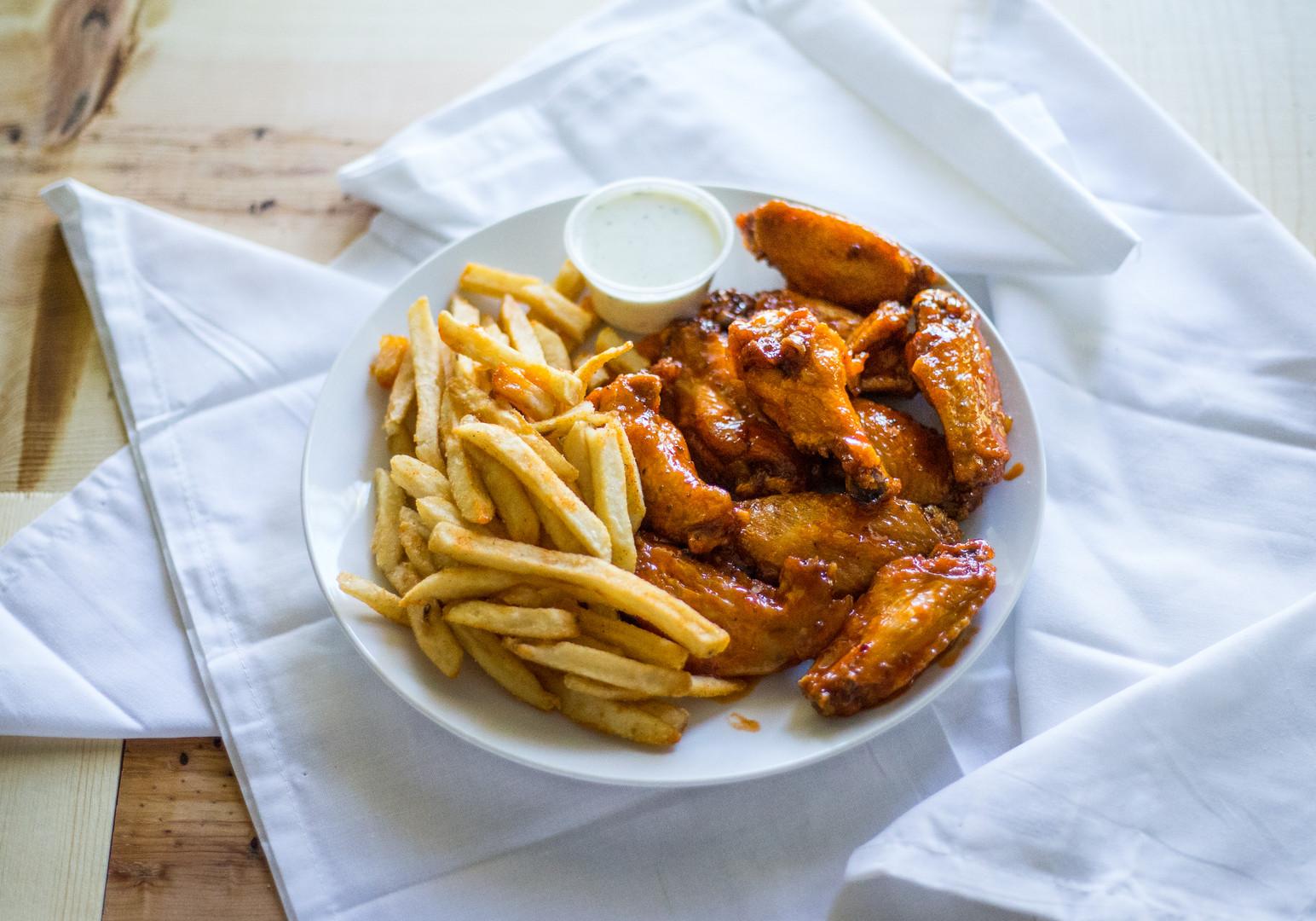 Wings_10PC_Fries_Dip_Drink9.jpg
