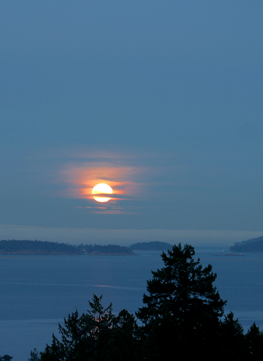Moonrise over the Gulf Island